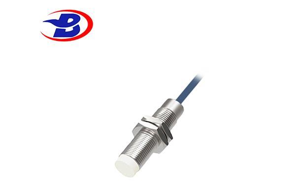 德宝M12耐低温接近传感器